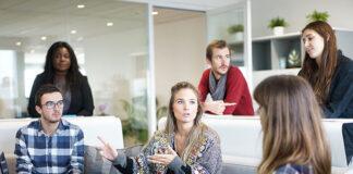 szkolenia z wystąpień publicznych,
