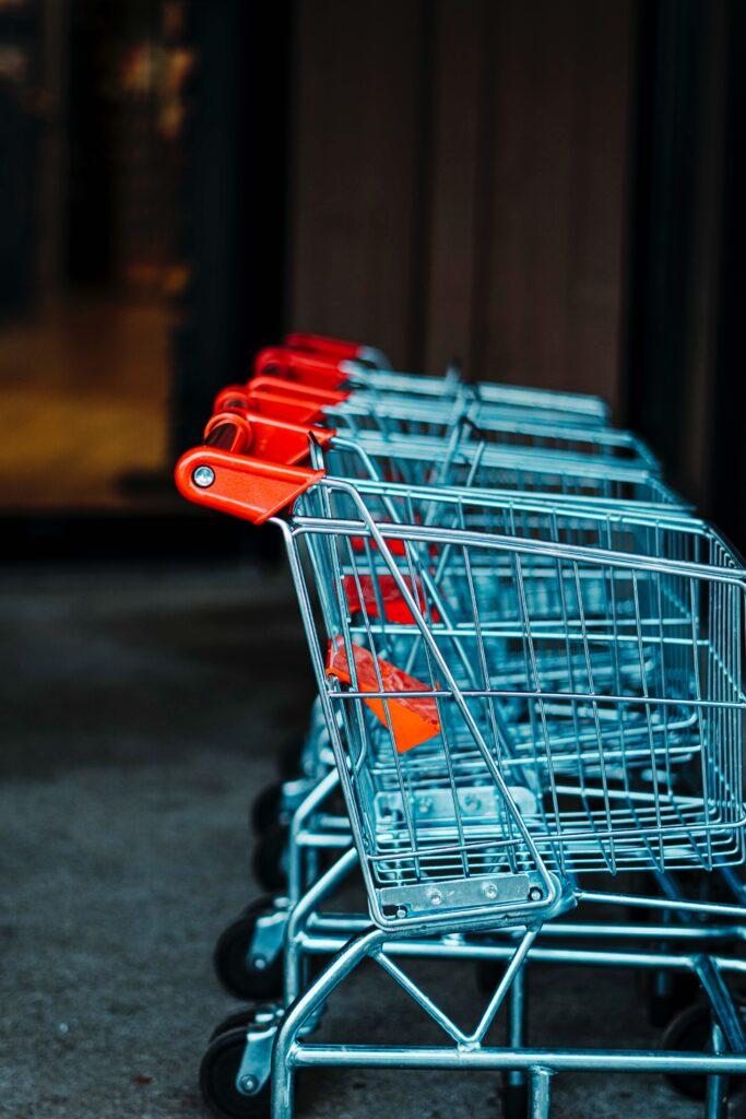 zakupy przez internet zwrot kosztów wysyłki