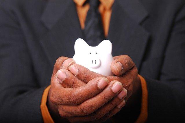 jak oszczędzać pieniądze