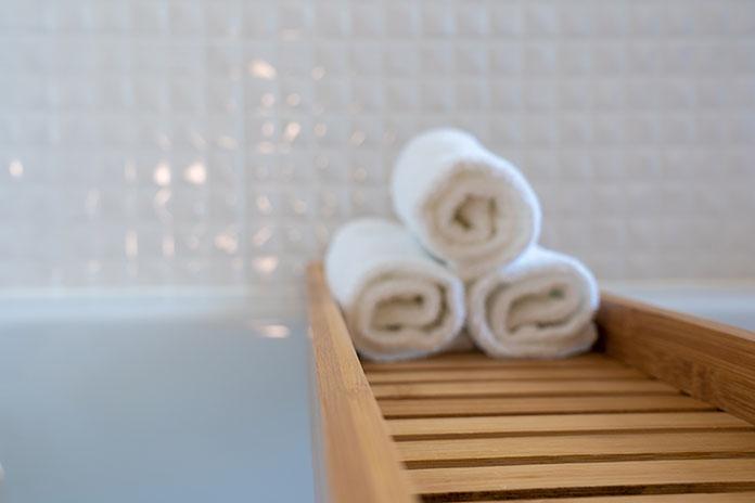 metody składania ręczników hotelowych