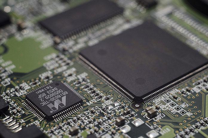 Tworzenie układów elektronicznych